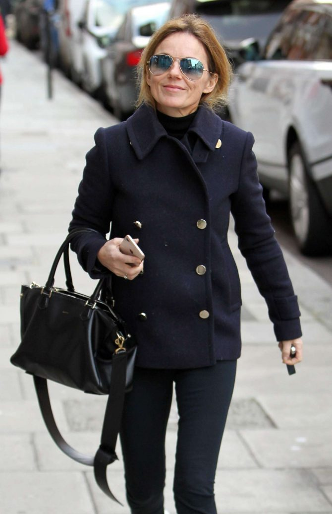 Geri Halliwell: Out in London -01