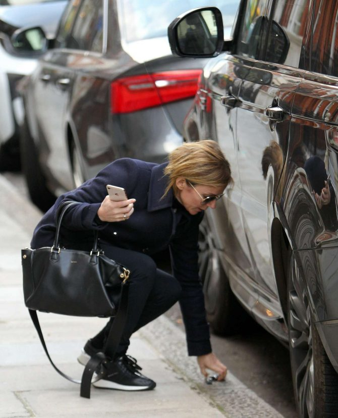 Geri Halliwell: Out in London -02