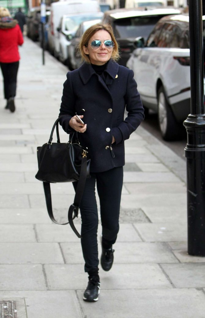 Geri Halliwell: Out in London -04