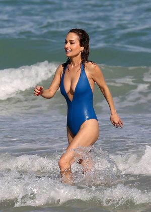 Lakers Vs Cavaliers 2019 >> Giada De Laurentiis in Blue Swimsuit at a Beach in Miami