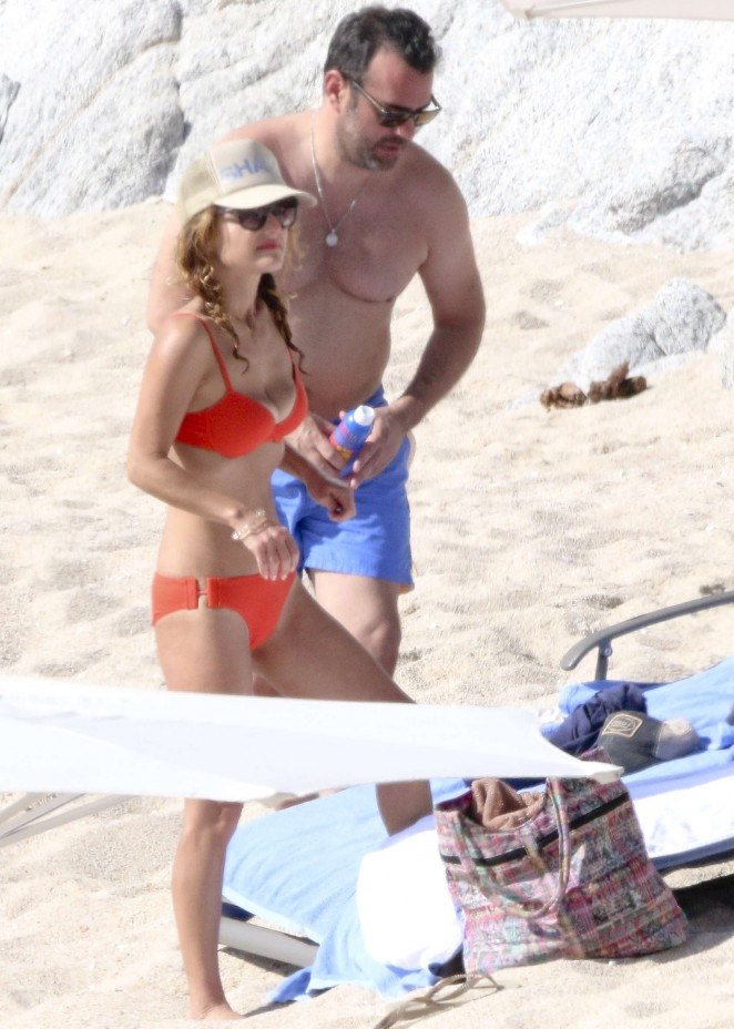 Giada De Laurentiis: Wearing a bikini in Los Cabos (adds)-07