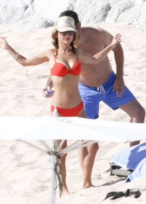 Giada De Laurentiis: Wearing a bikini in Los Cabos (adds)-08