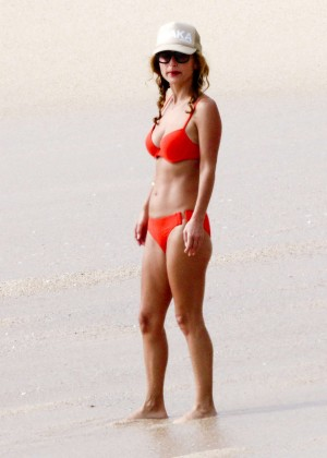 Giada De Laurentiis: Wearing a bikini in Los Cabos (adds)-11