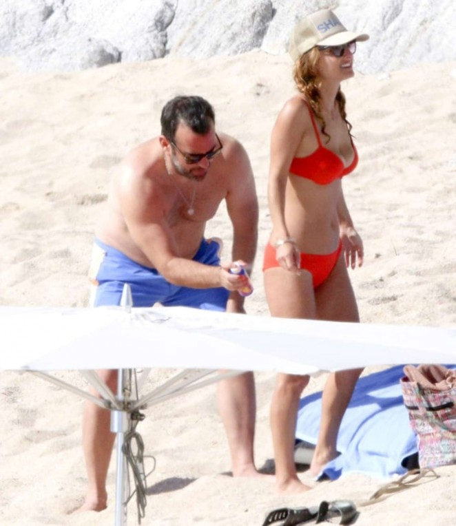 Giada De Laurentiis: Wearing a bikini in Los Cabos (adds)-12