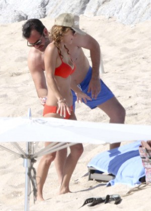 Giada De Laurentiis: Wearing a bikini in Los Cabos (adds)-16