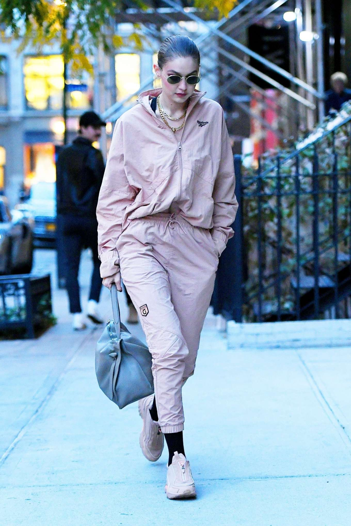 Gigi Hadid - Arrive at her apartment in New York