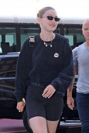 Gigi Hadid - Arrives an office building in Manhattan