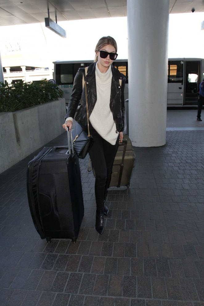 Gigi Hadid - Arrives at LAX Airport in Los Angeles