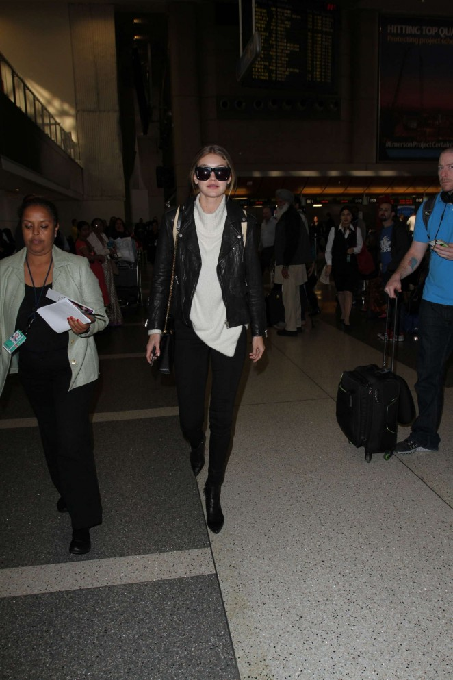 Gigi Hadid: Arrives at LAX Airport -10
