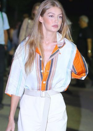 Gigi Hadid - Arrives at Ralph Lauren Fashion Show in New York