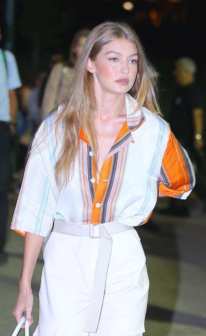 Gigi Hadid – Arrives at Ralph Lauren Fashion Show in New York
