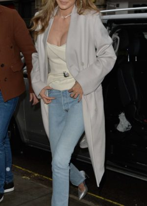 Gigi Hadid - Arriving at a video shoot in London
