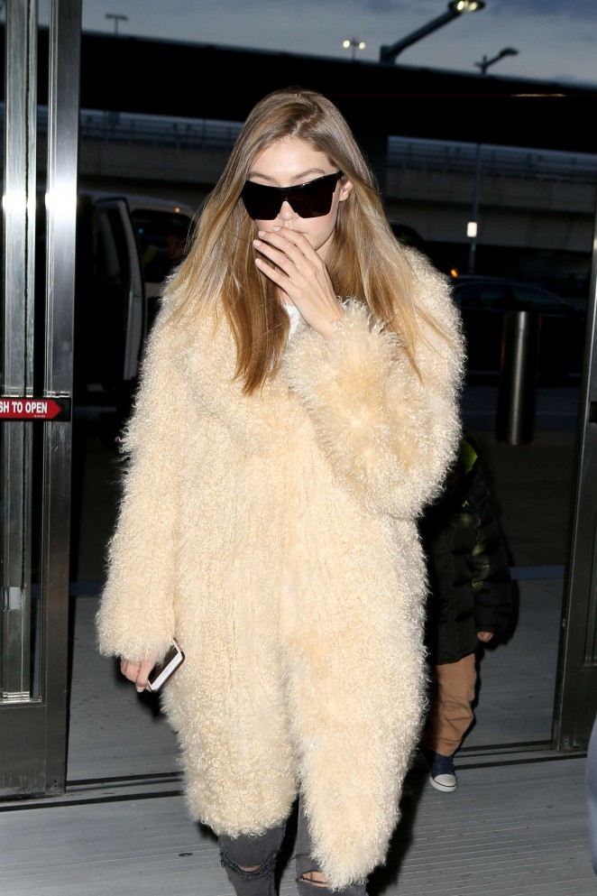 Gigi Hadid - Arriving at JFK Airport in New York