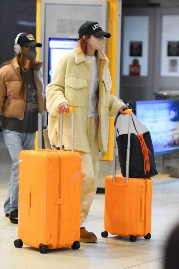 Gigi Hadid - Arriving to JFK Airport in New York City