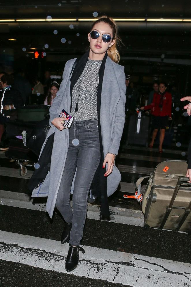 Gigi Hadid at LAX Airport -26