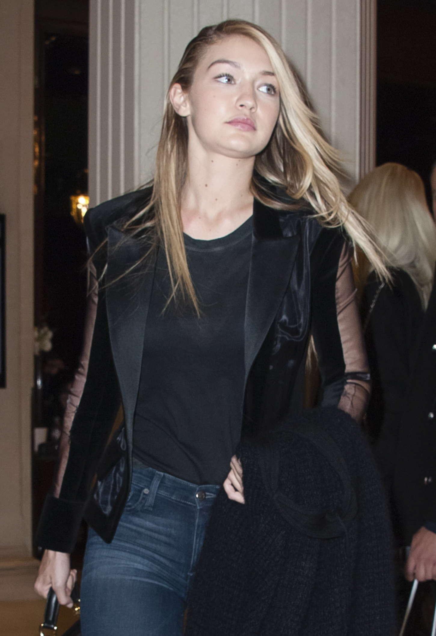 Gigi hadid at paris fashion week 2015 09 gotceleb for Gigi hadid fashion week