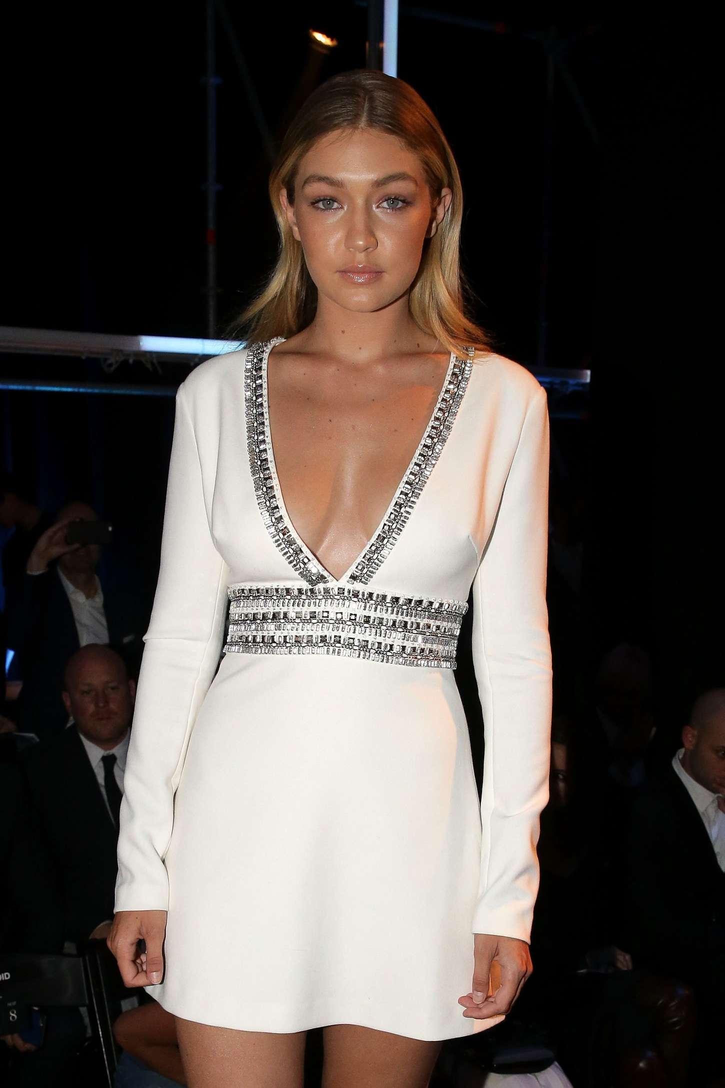 White dress david jones - Gigi Hadid David Jones Ss 2015 Fashion Launch 20