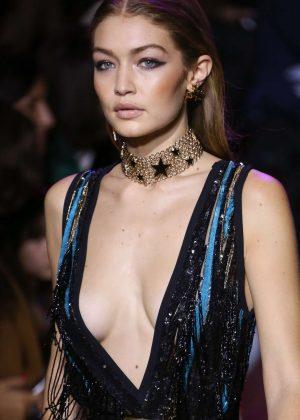 Gigi Hadid - Elie Saab SS17 Womenswear Show in Paris