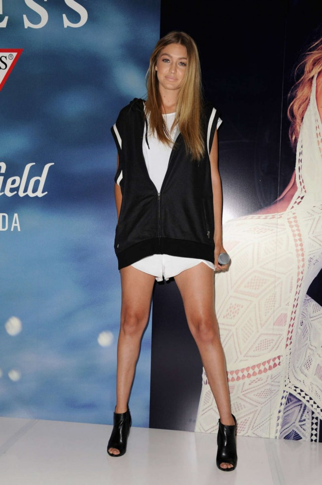 Gigi Hadid - Greets Fans at Westfield Miranda in Sydney