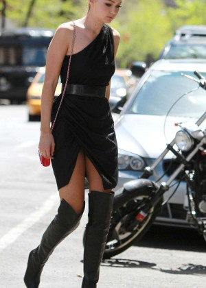 Gigi Hadid: Heading to a Photoshoot -24