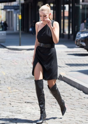 Gigi Hadid: Heading to a Photoshoot -54