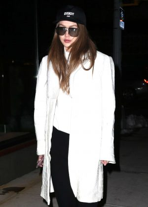 Gigi Hadid heading to her apartment in Soho