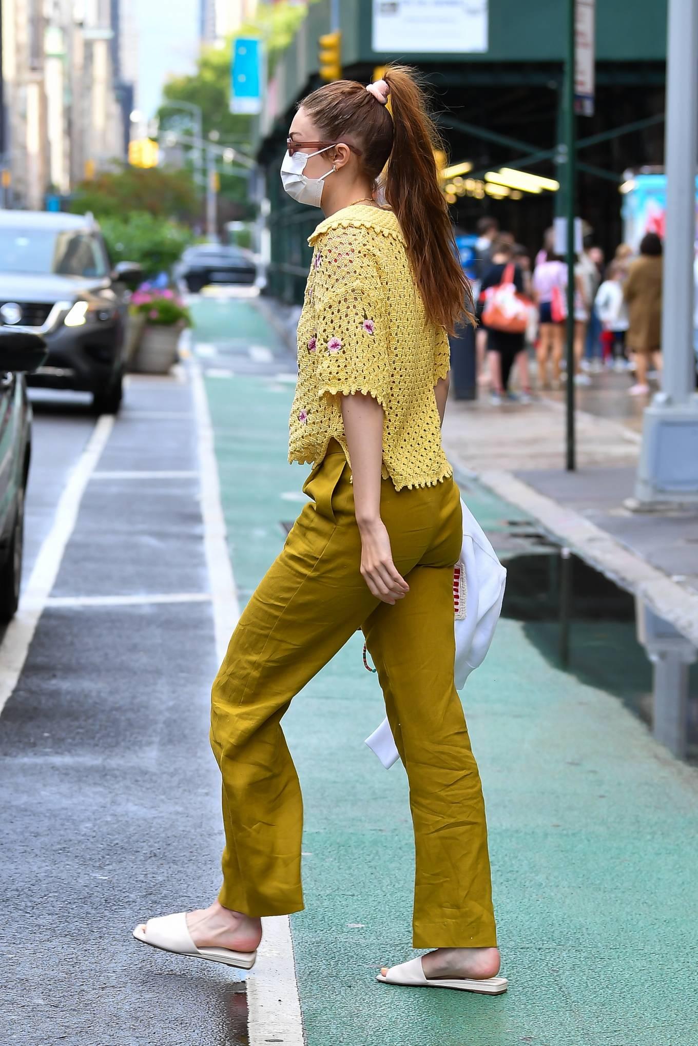 Gigi Hadid 2021 : Gigi Hadid – Heads to the salon in New York City-02