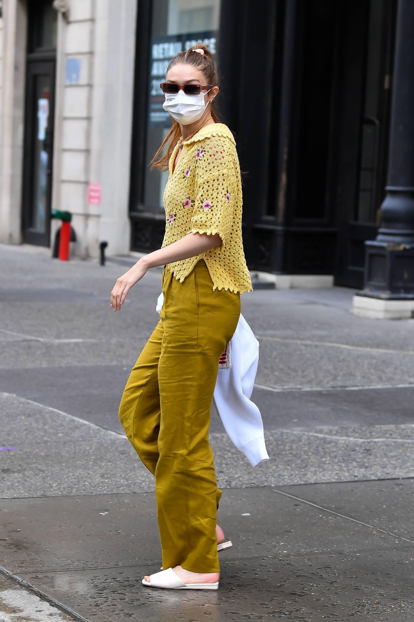 Gigi Hadid 2021 : Gigi Hadid – Heads to the salon in New York City-03