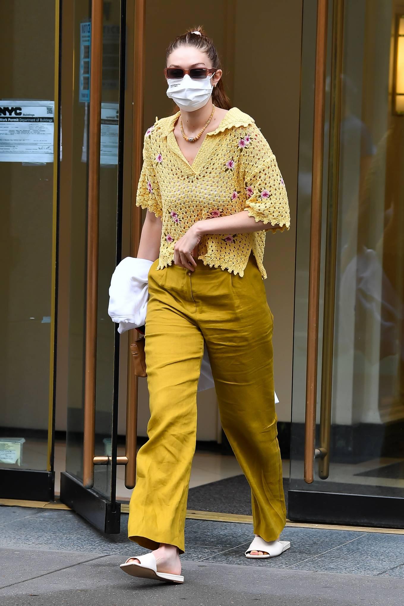 Gigi Hadid 2021 : Gigi Hadid – Heads to the salon in New York City-07