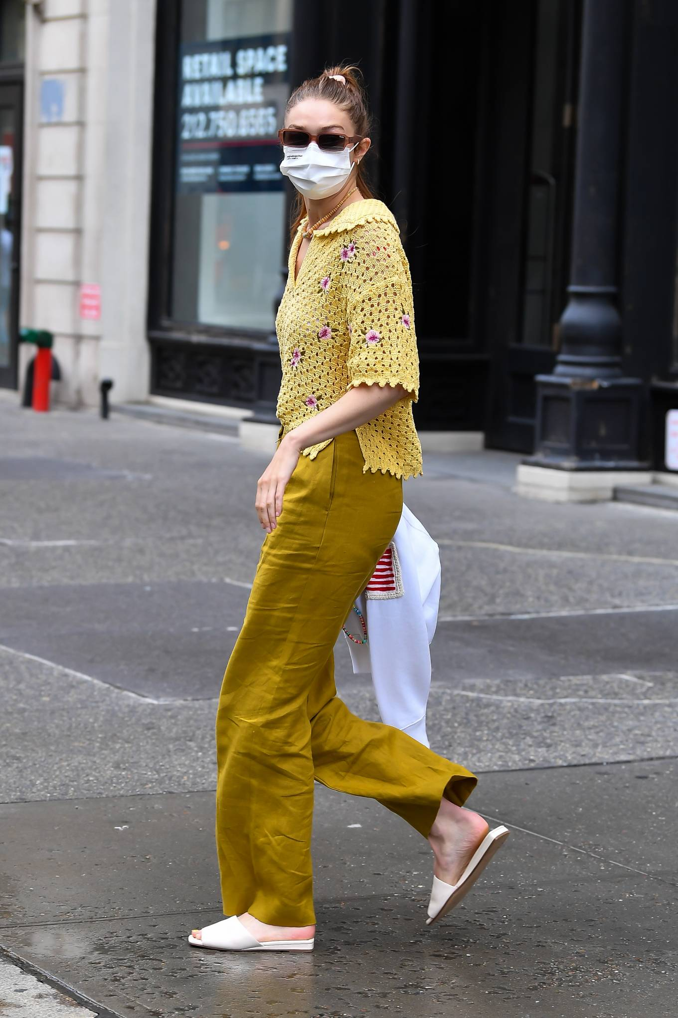 Gigi Hadid 2021 : Gigi Hadid – Heads to the salon in New York City-14