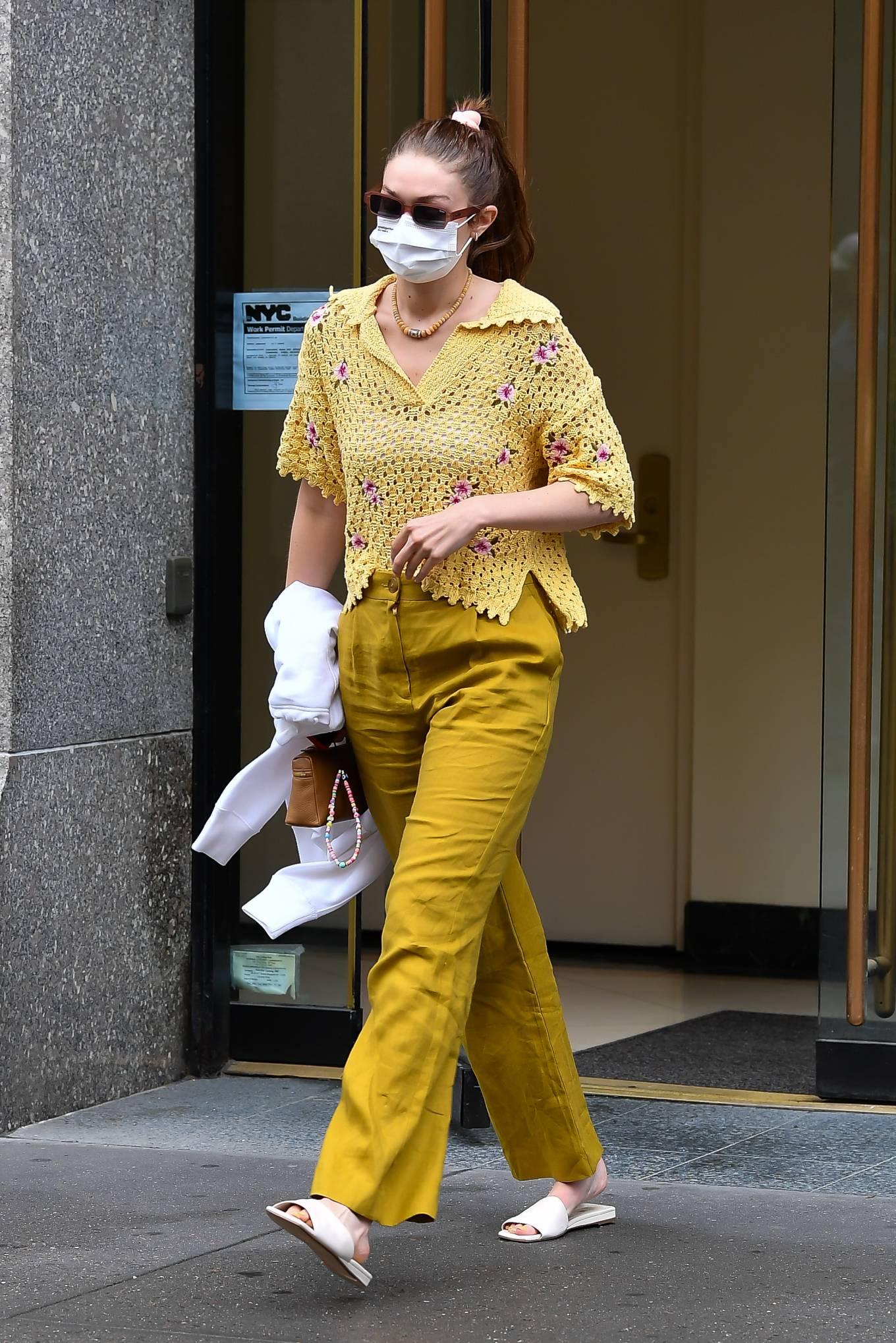 Gigi Hadid 2021 : Gigi Hadid – Heads to the salon in New York City-16