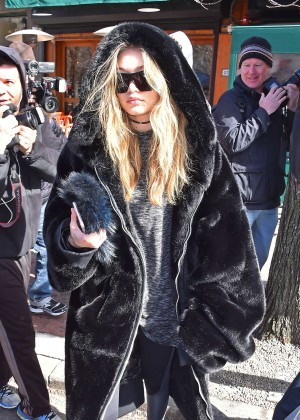 Gigi Hadid in Black Fur Coat Out in New York City
