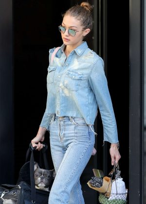 Gigi Hadid in Jeans Leaves Her Apartment in New York