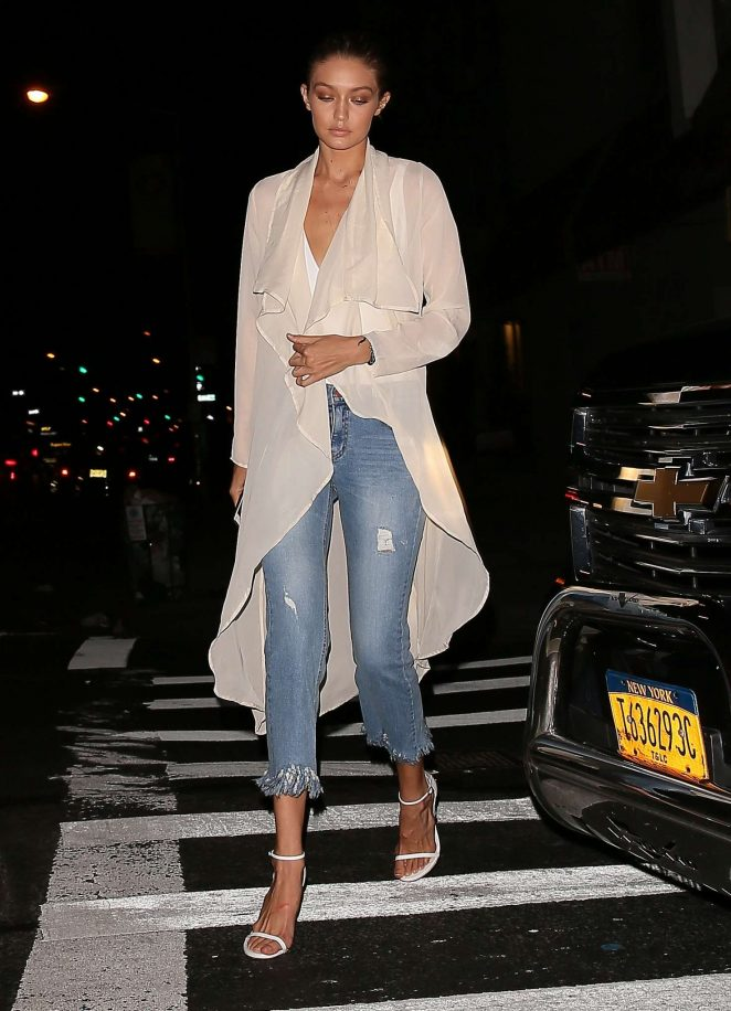 Gigi Hadid in Jeans Leaving her apartment -05