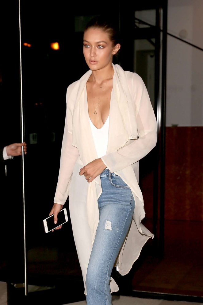 Gigi Hadid in Jeans Leaving her apartment -17