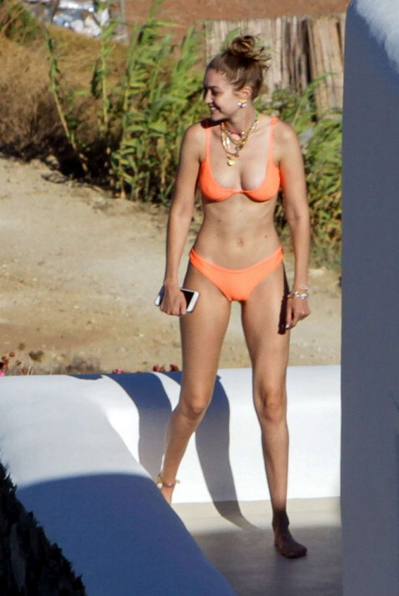 Gigi Hadid 2019 : Gigi Hadid in Orange Bikini 2019-03