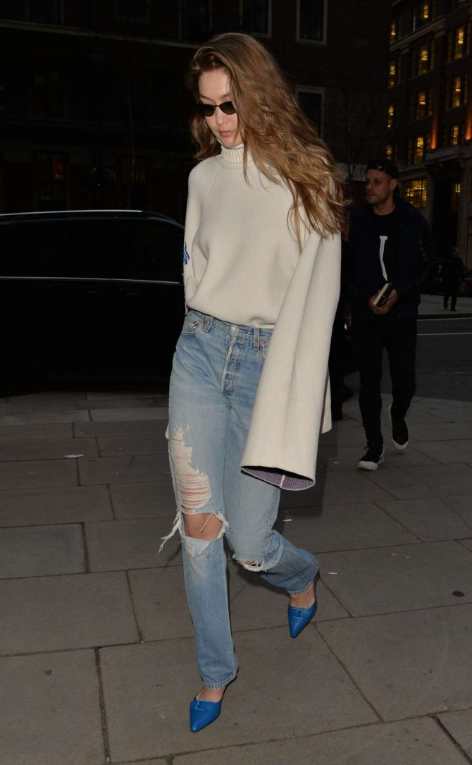 Gigi Hadid in Ripped Jeans – Out and about in London