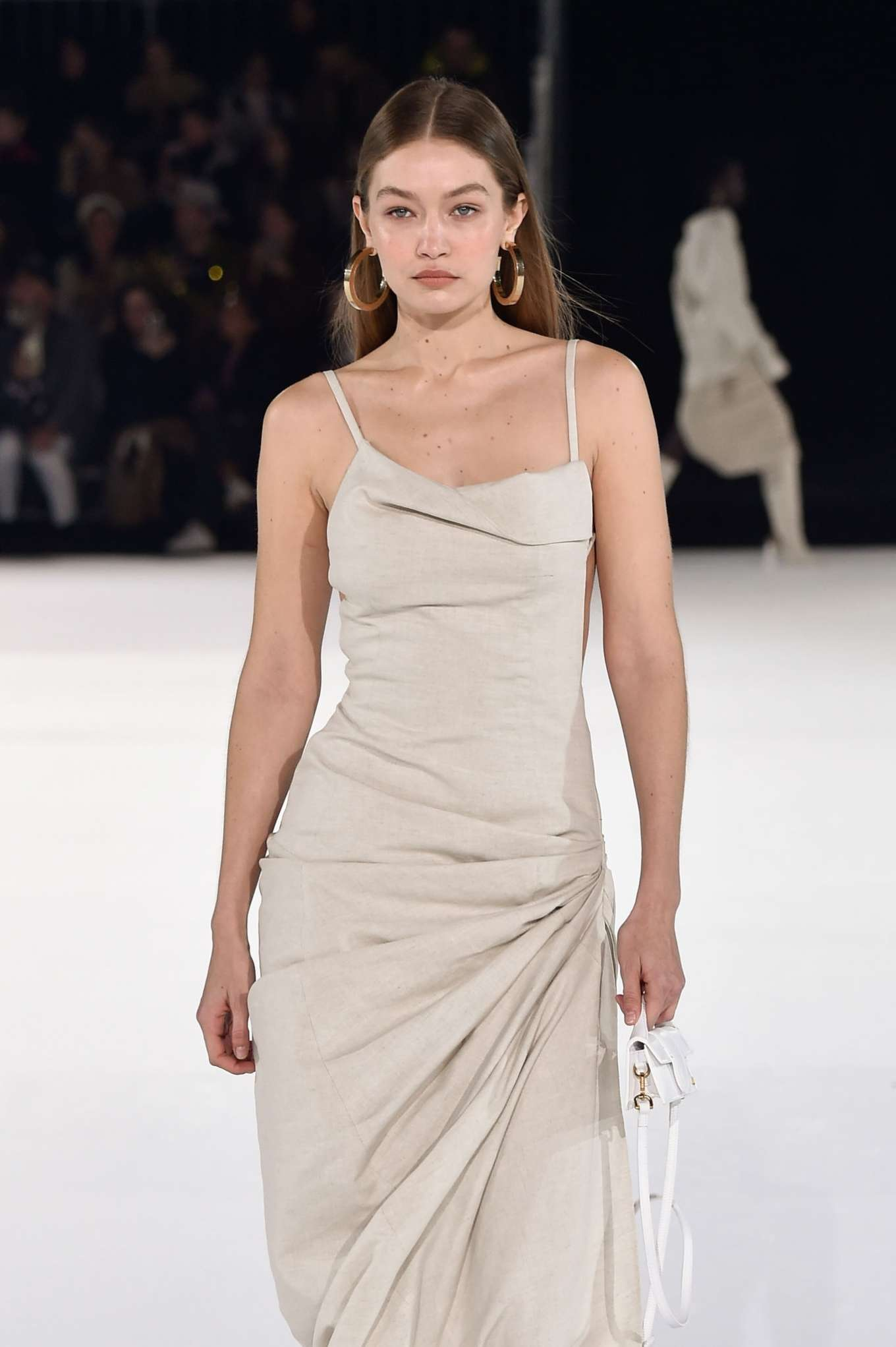 Gigi Hadid - Jacquemus Menswear Runway Show 2020 in Paris