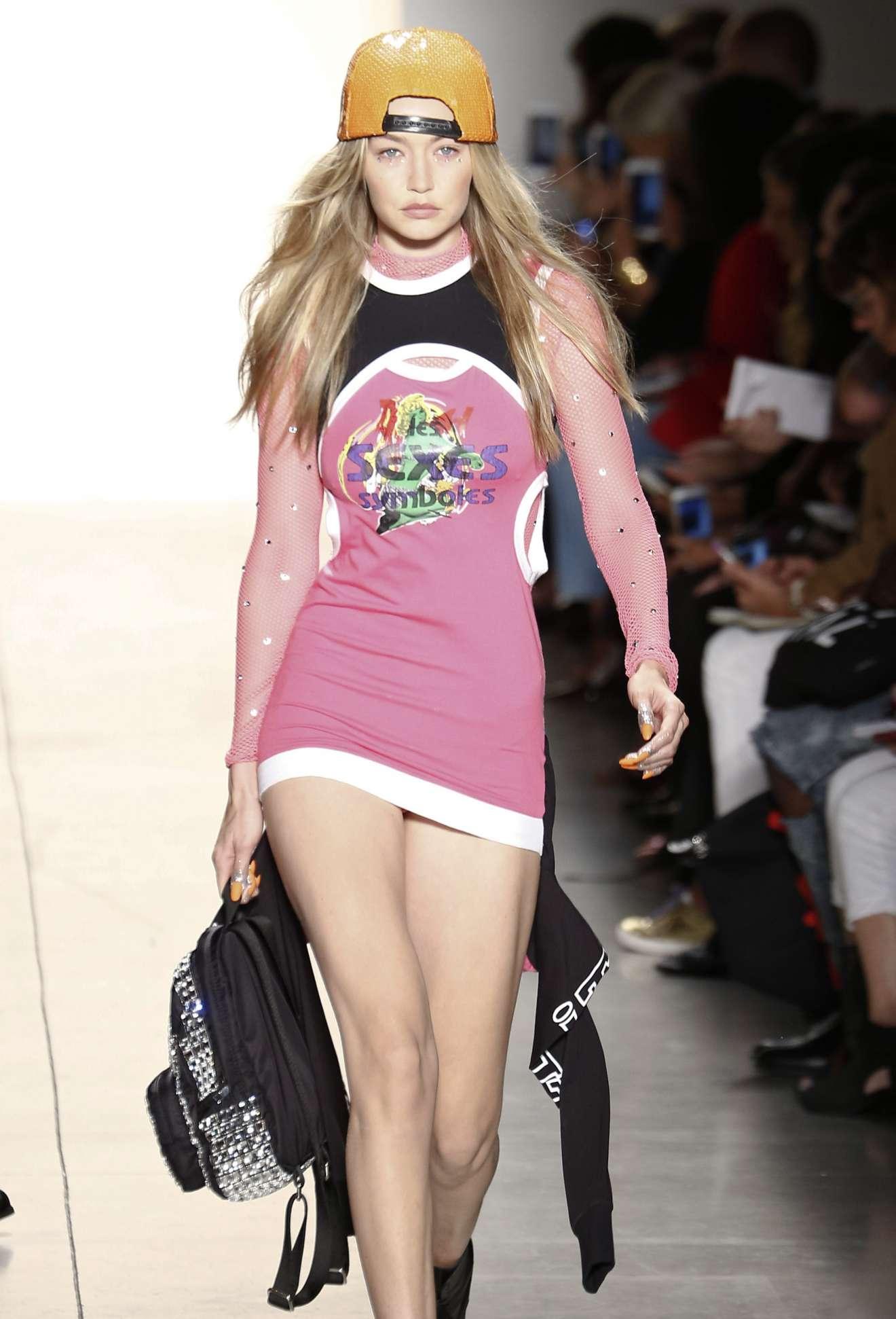 Gigi hadid jeremy scott runaway show at new york fashion for Gigi hadid fashion week
