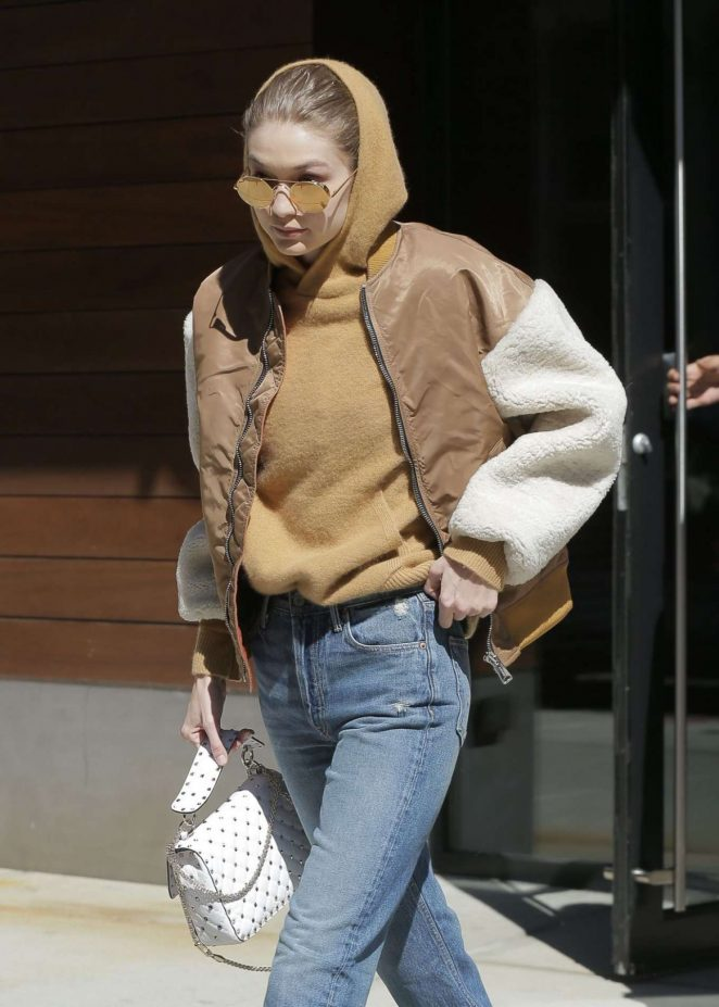 Gigi Hadid - Leaves her home in New York