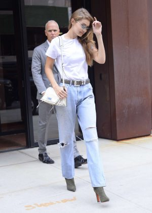 Gigi Hadid - Leaving her apartment in New York City