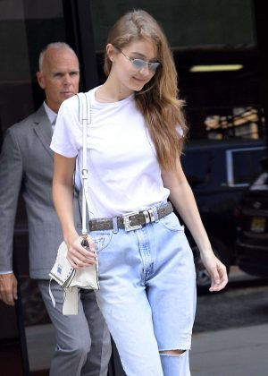 Gigi Hadid - Leaving her apartment in New York City