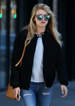 Gigi Hadid in Tight Jeans Leaving her apartment in NYC