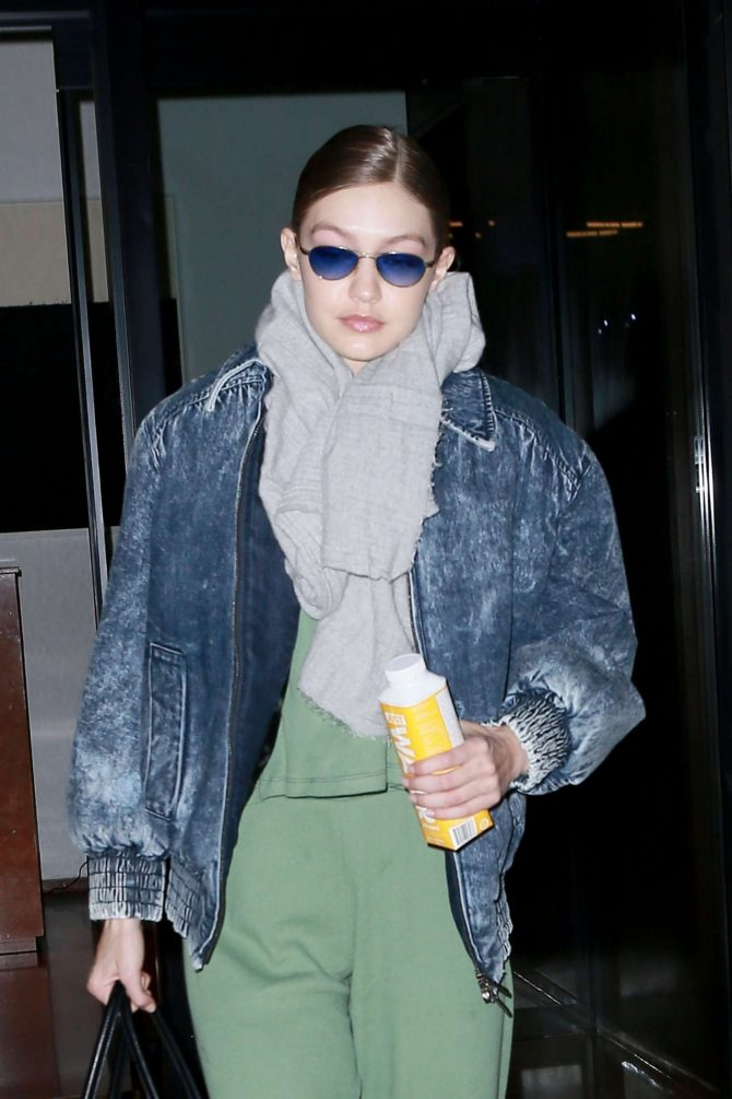 Gigi Hadid - Leaving her apartment in NYC