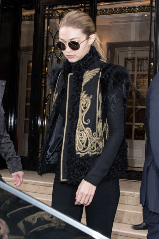 Gigi Hadid - Leaving her hotel in Paris