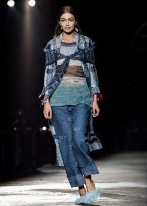 Gigi Hadid - Missoni Runway Show in Milan
