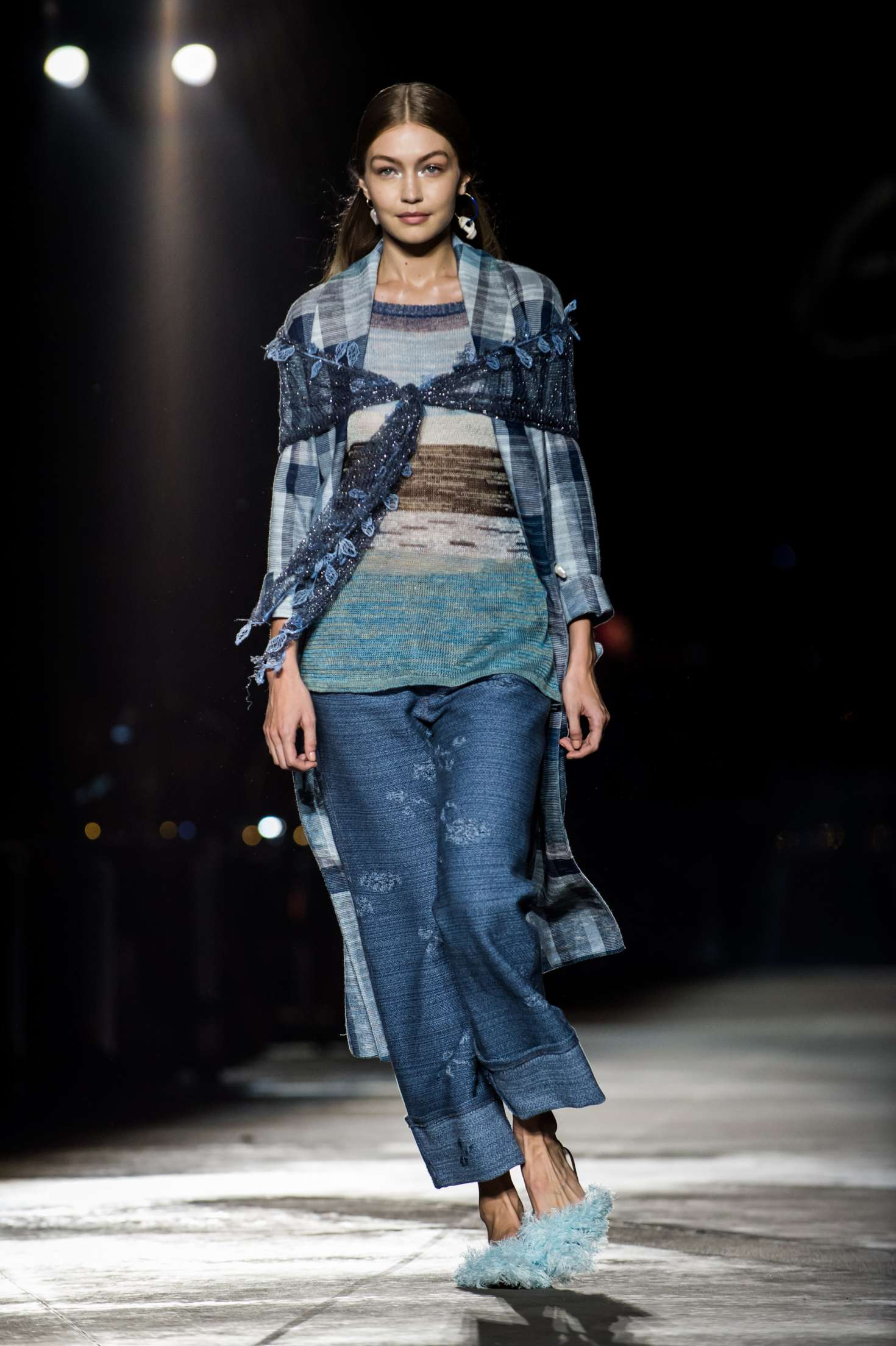 Gigi Hadid – Missoni Runway Show in Milan