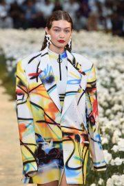 Gigi Hadid - Off-White Menswear Runway Show in Paris