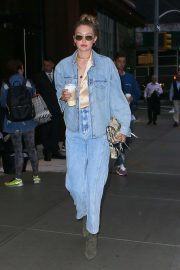 Gigi Hadid - On her way to the US open with friends in NY