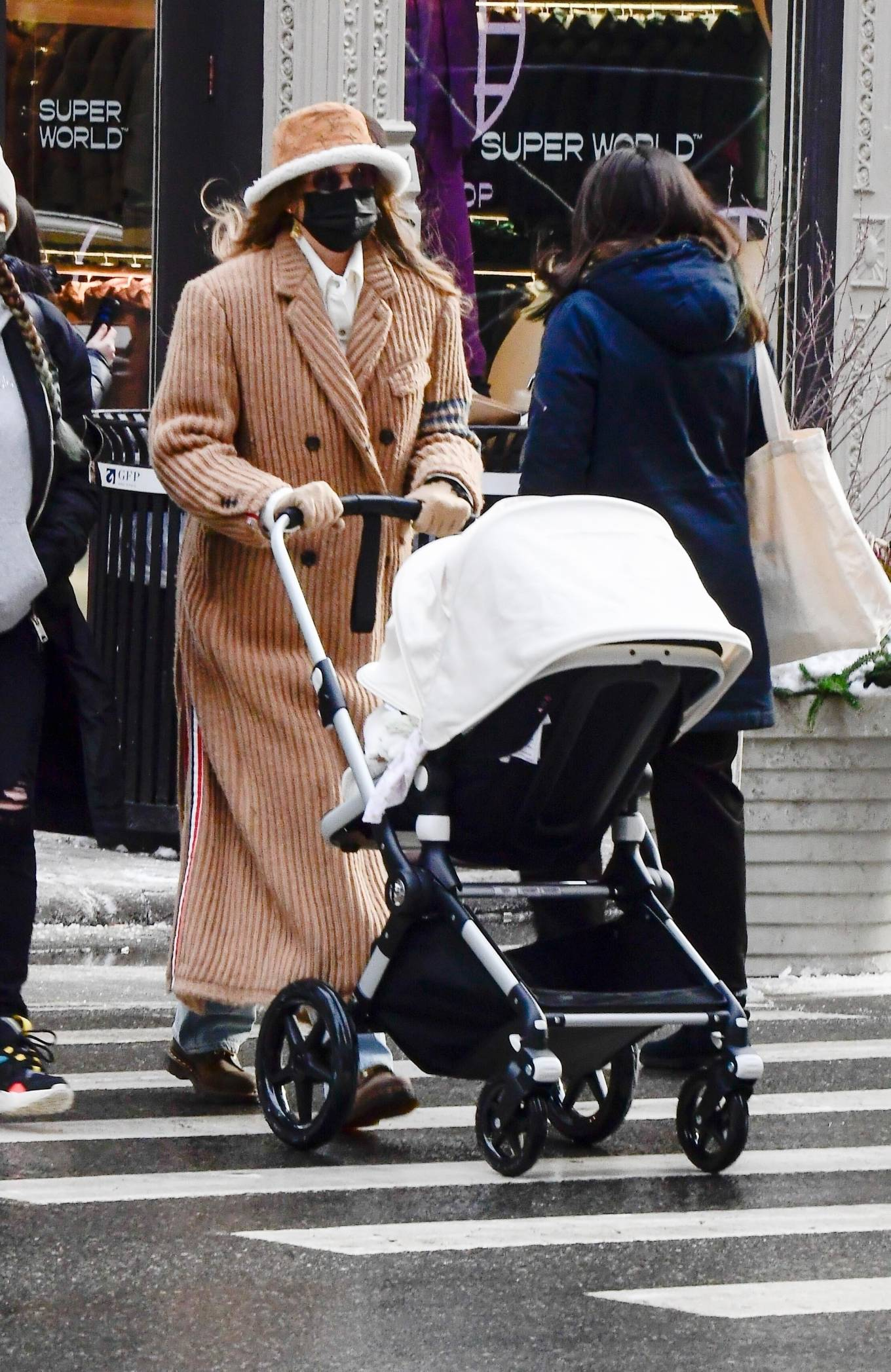 Gigi Hadid - Out for a walk with her baby daughter in New York